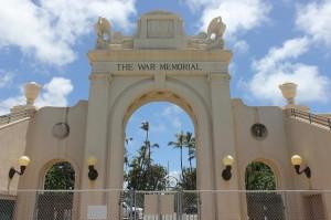 Abercrombie Teams With Caldwell To Tear Down Waikiki Natatorium