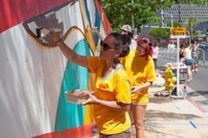 Kakaako Mural Adds to Hawaii's Growing Urban Art Scene