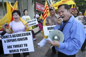 Vietnamese Protest Against China at APEC