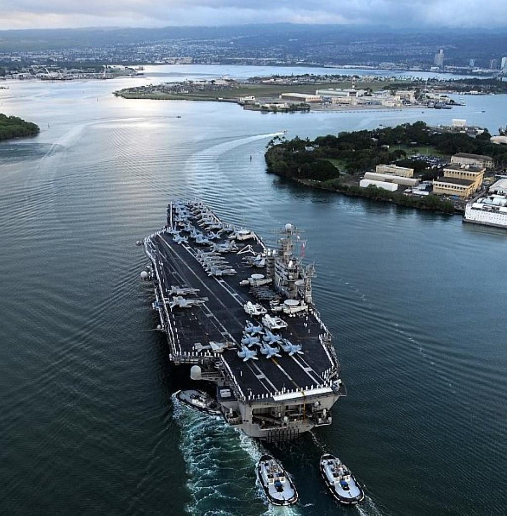 why navy ships stayed docked in pearl harbor during hawaii
