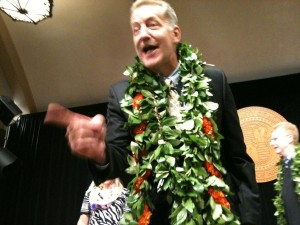 """Mayor Says He's Found """"Circle the Wagons"""" Mentality at Honolulu Hale"""