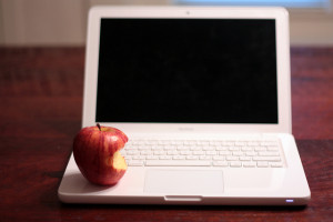 New 1:1 Laptop Program Boosting Engagement in Some Hawaii Classrooms