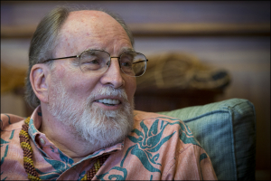 Abercrombie Picks Maui Artist to Paint His Official Portrait