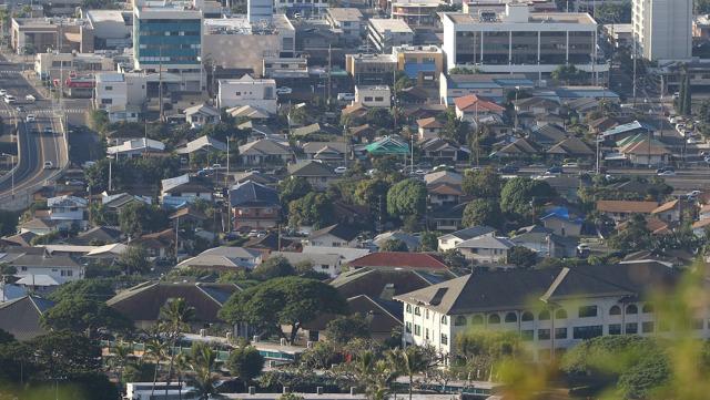 Aerial view of Punahou School and the surrounding neighborhoods. 20 jan 2015. photograph Cory Lum/Civil Beat
