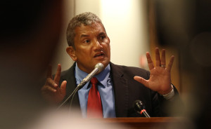 Grand Jury Indicts Hawaii County Mayor Billy Kenoi On Theft Charges