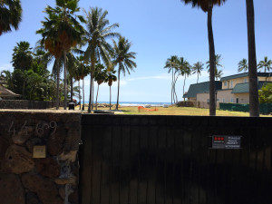 Why Did the City Approve a New Seawall for a Kahala Property After the State Ordered It Removed?