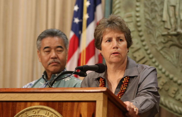 Governor David Ige and DLNR nominee Suzanne Case before announcement of DLNR candidate. 7 april 2015. photograph by Cory Lum/Civil Beat