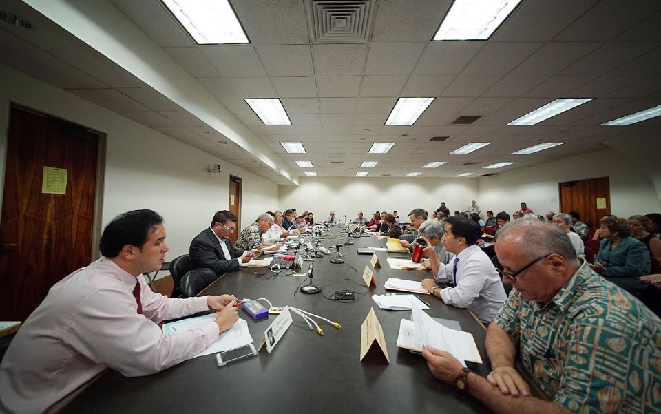 Civil Beat Poll: Voters Want Term Limits For State Legislators