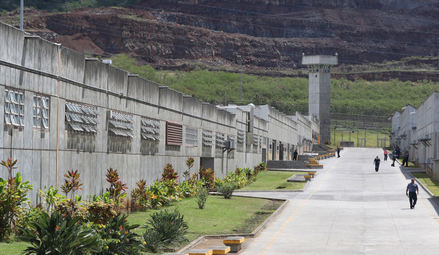 Halawa Prison 'Main Street'. 26 may 2015. photograph Cory Lum/Civil Beat