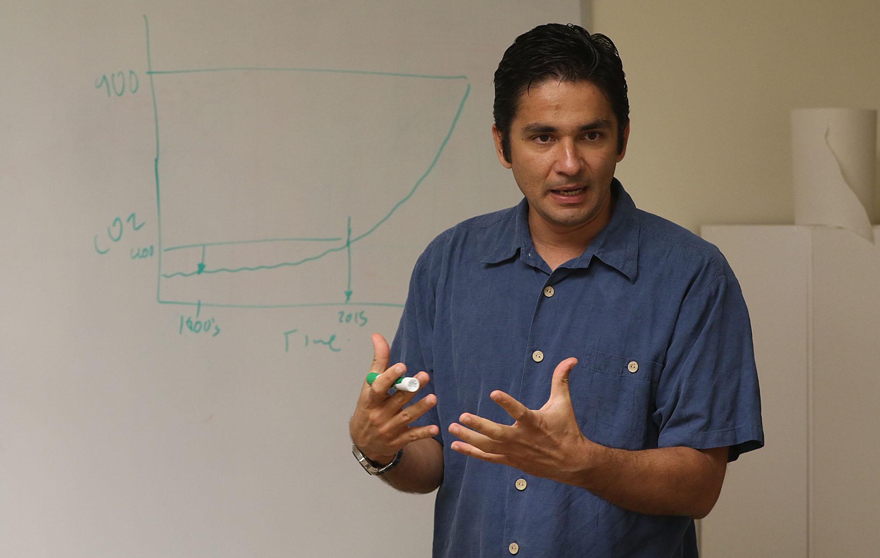 UH Manoa Professor Camilo Mora2 - Honolulu Civil Beat