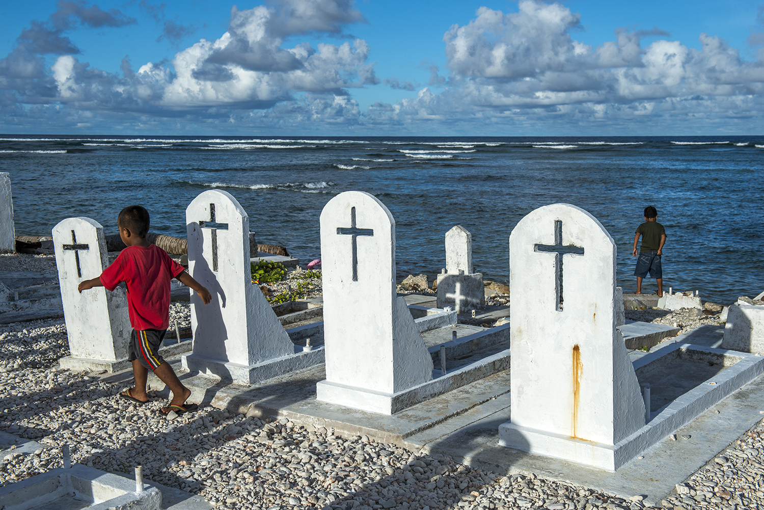 <p>Some graveyards built along the ocean are falling in the sea due to erosion and climate change.</p>