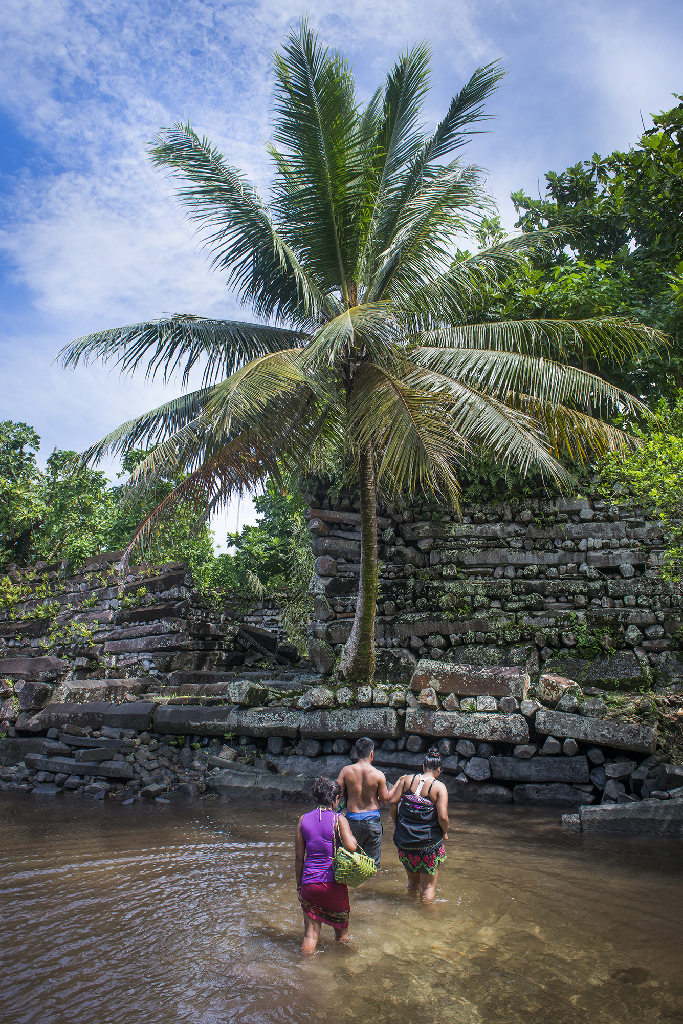 <p>For a small fee, locals will ferry visitors across the waterway that separates Nan Madol from Pohnpei. Or, you can take of your shoes and roll up your pants or skirt and wade across.</p>