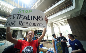 Hawaii Senate Approves Water Rights Bill Over Loud Protests