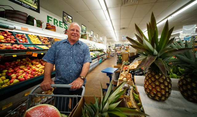 Senator Russel Ruderman Island Naturals HIlo Hawaii1. 15 july 2016