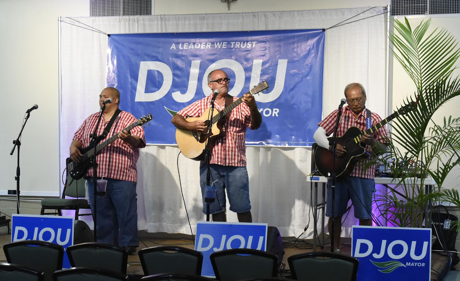 <p>The Palaka Ohana band entertained early arrivers at the Pearl Country Club, where supporters of mayoral candidate Charles Djou gathered to watch returns. (Ronen Zilberman/Civil Beat)</p>