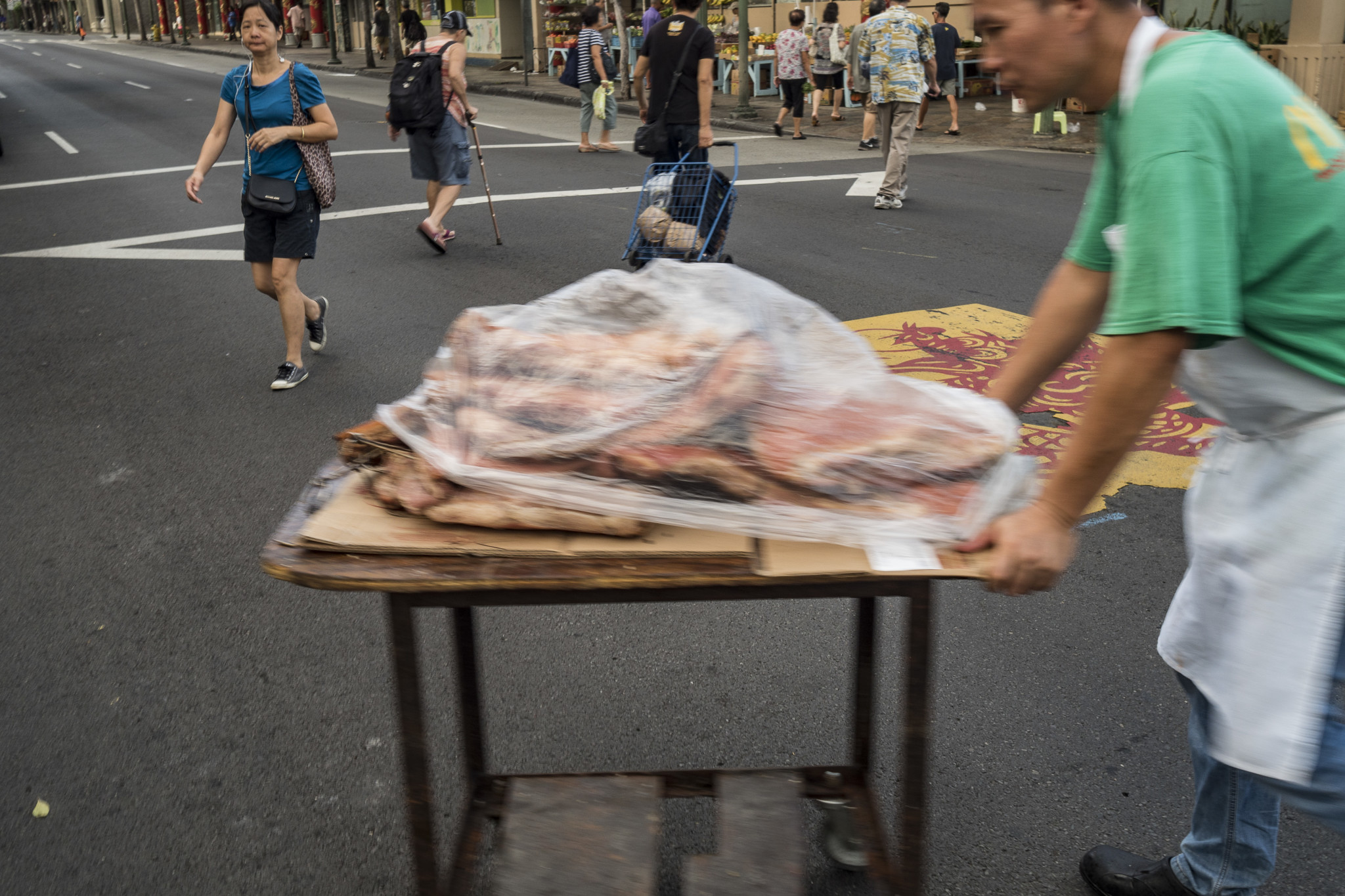 <p>After the butchering, a deep-fried pig is ready for a bulk purchase.</p>