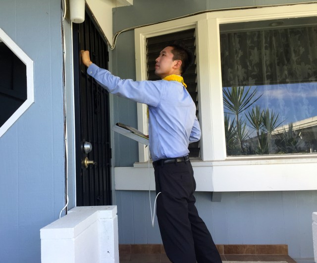 Stanley Chang is knocking on a lot of doors in his bid to unseat Sen. Sam Slom.