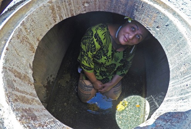 Hinaleimoana Wong-Kalu, a cultural advisor for Ward village, said the water in the auwai was cool and had depths of a few inches.