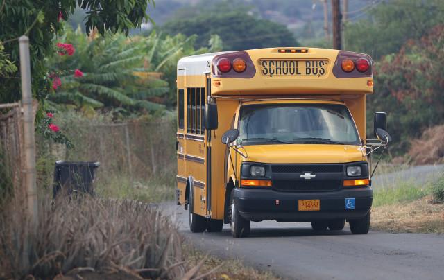School Bus Waianae Valley. 18 nov 2016