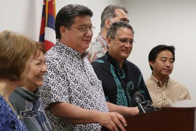 Hawaii Senate Shuffles Leadership, Braces For Trump Presidency