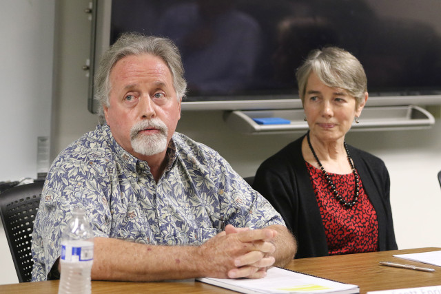 Hawaii Board of Agriculture Scott Enright Chairperson during presser. Dept of Health. 14 dec 2016