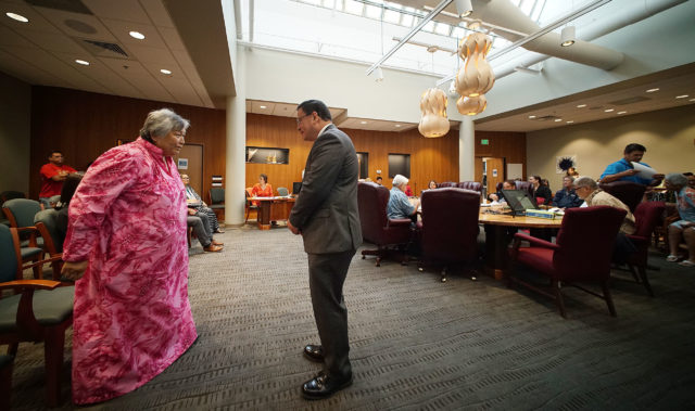 """OHA ex Trustee Apoliona Speaks to Trustee Kealii Akina, telling him to """"do the right thing."""" Before OHA board lost quorum after a handful of trustees walked out of the meeting. 12 jan 2017"""