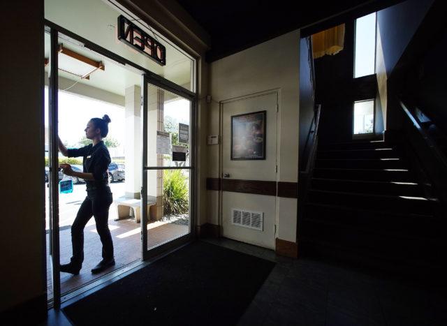 Gyotaku Lili Parker Cashier/Hostess cleans the entrance area. CHAD STORY. 17 feb 2017
