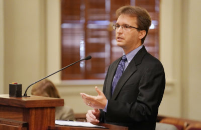 Brian Black from the Civil Beat Law Center presents oral arguments at the Supreme Court, Aliiolani Hale. 1 june 2017