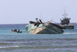 Boat That Ran Aground 0ff Honolulu Sent No Distress Signal