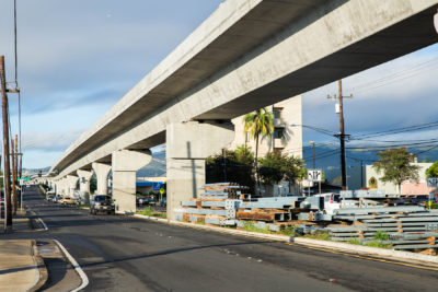 Honolulu Rail Officials Hand-Deliver Recovery Plan To Feds