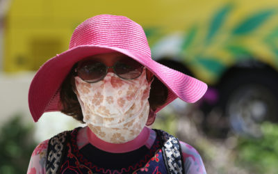 Waikiki masked lady no flu or inluenza ?