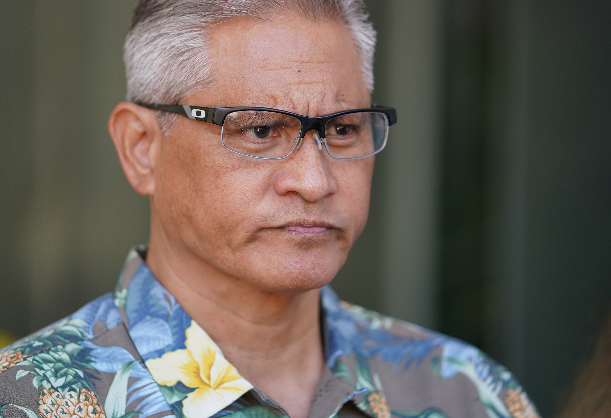 Retired HPD Chief Louis Kealoha outside District Court.
