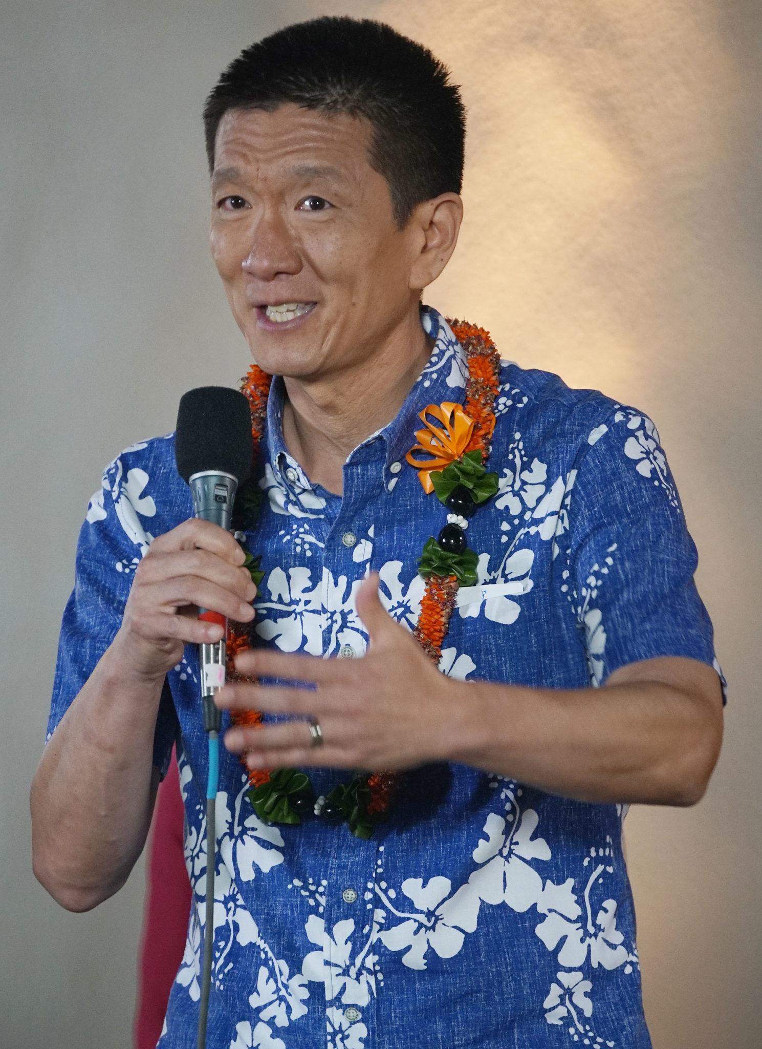 LG CD1 Candidate Doug Chin Debate Kamehameha Schools.