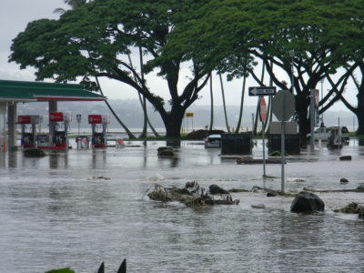 Big Island: Flooding Forces Rescues, Cuts Off Communities