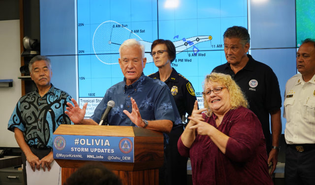 Mayor Kirk Caldwell EOC presser on Tropical Storm Olivia with Governor Ige.