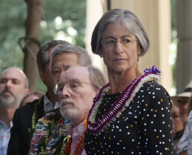 Former Governors Linda Lingle (right) and Neil Abercrombie (left) look on during the inauguration ceremony for Governor David Ige, at the state capitol in Honolulu, HI, Monday, December 3, 2018. (Civil Beat photo Ronen Zilberman)