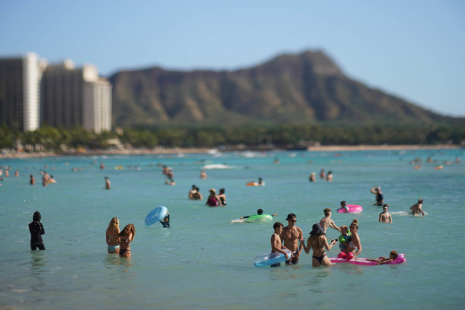 Danny De Gracia: Let Hawaii Tourists Gamble And Smoke Pot — Then Tax Them More