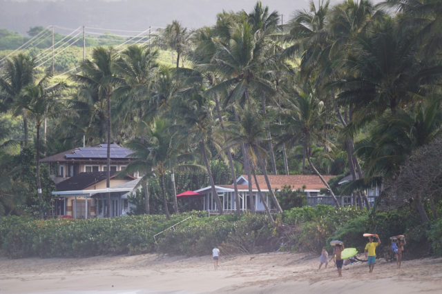 North Shore Oahu homes along Beachfront airBnb.