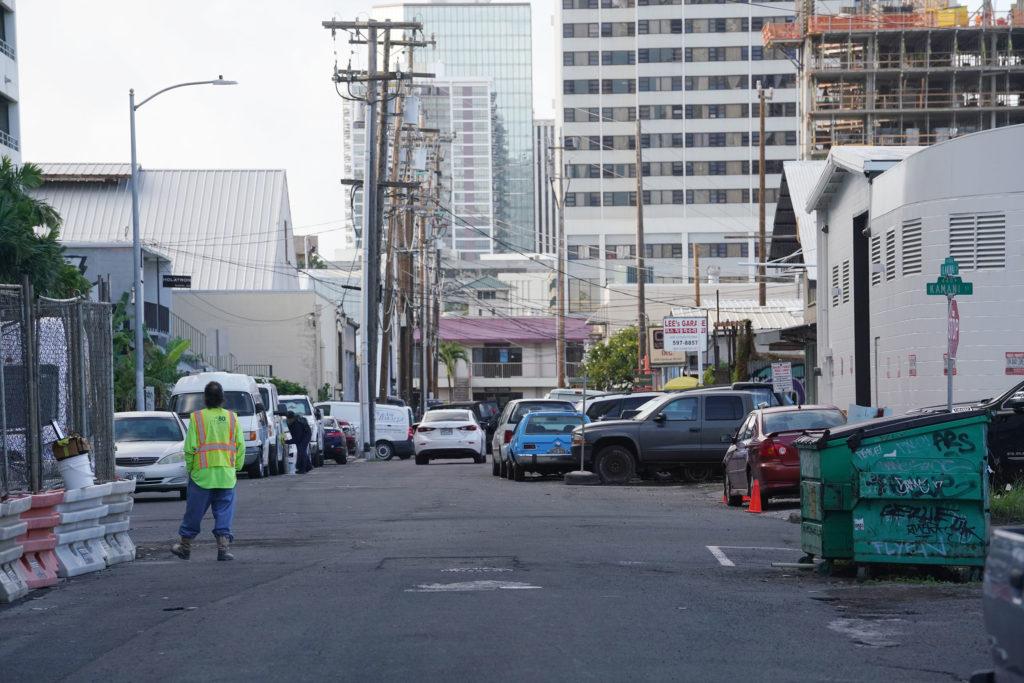 Ilaniwai Street looking in a westward direction.