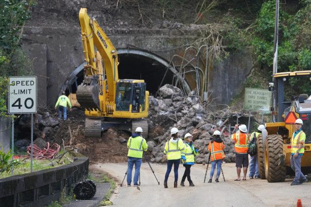 Pali Tunnel Landslide Townbound lane2.