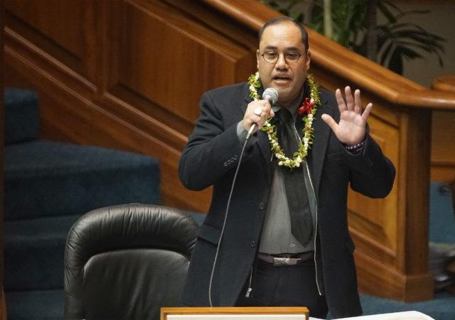 Senator Donovan Dela Cruz makes comments before the 13-12 vote. SB1292 passed by 1 vote.