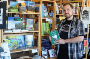 Kauai: This Island's Only Bookstore Is Thriving