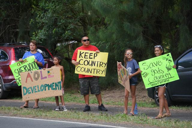 Waimanalo Sherwood Forest Demonstrators along Kalanianaole Highway.