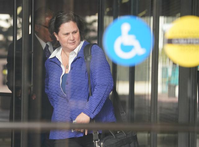 Katherine Kealoha arrives with former HPD chief Louis Kealoha to District Court.