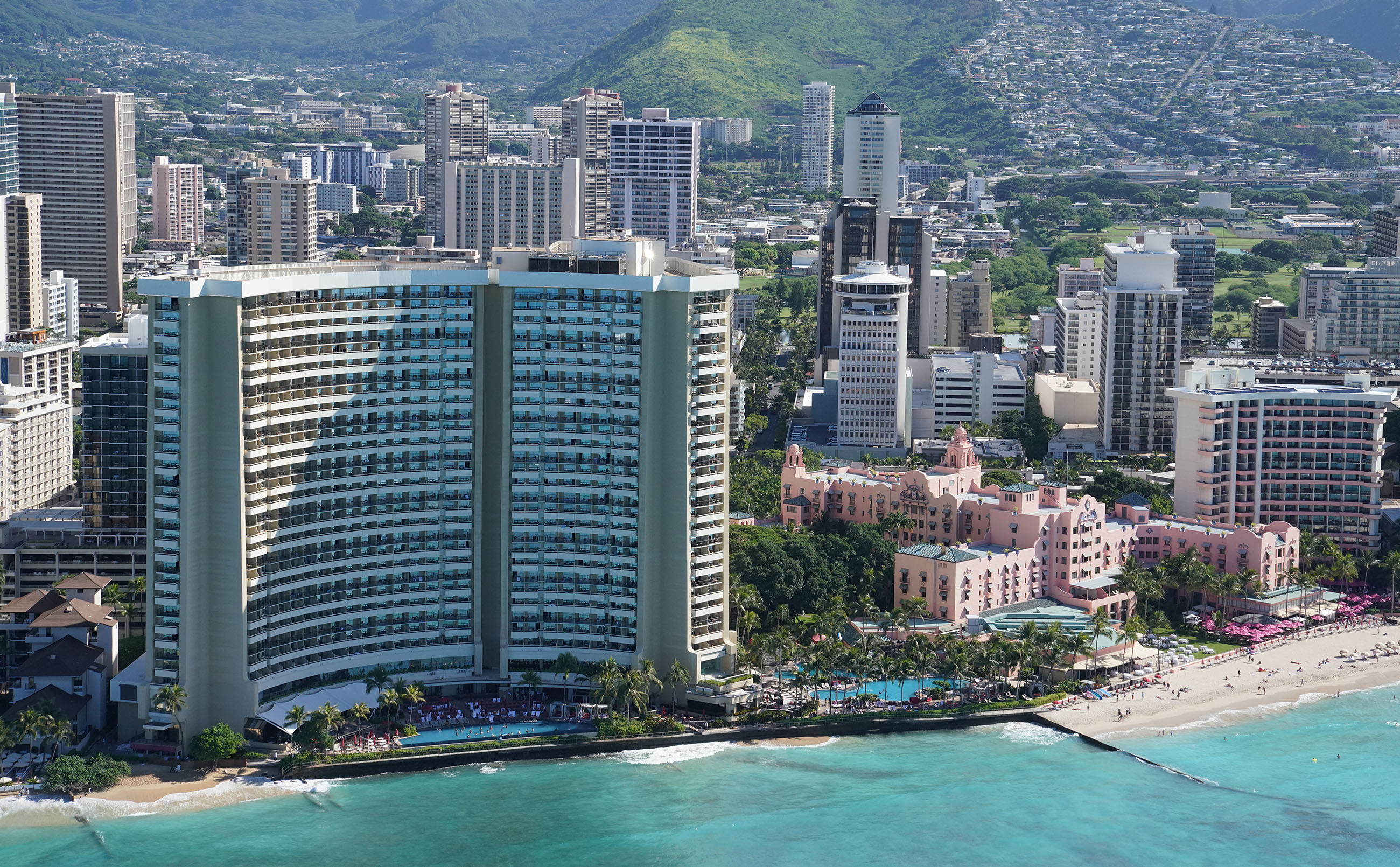 Waikiki Aerial Sheraton and Royal Hawaiian Hotel with Waikiki Beach 0355.