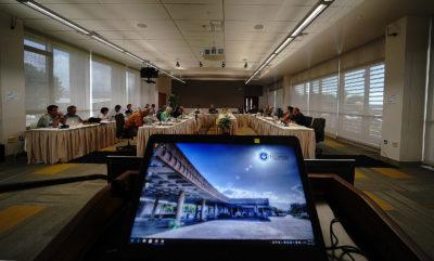 Senators Think UH Regents Are 'Too Cozy' With Officials