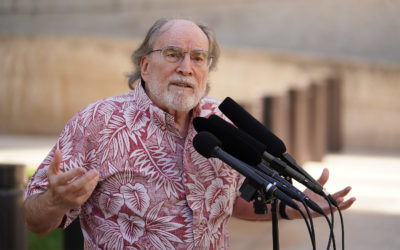 Governor Neil Abercrombie calls for Rep Tulsi Gabbard to resign.