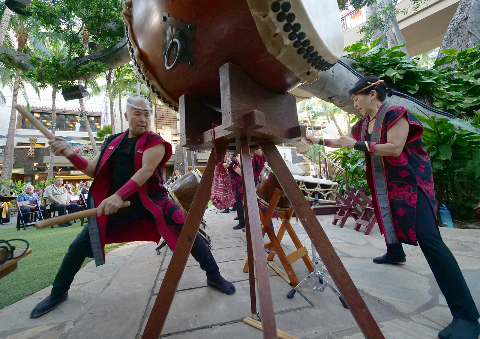 <p>Taiko Center of the Pacific founders Kenny Endo, left, playing an odaiko (Japanese for big drum) and Chizuko Endo, right, playing a taiko set, which includes a rope lashed shime daiko and small sumo odaiko, perform together with a small group of students at the Royal Hawaiian Shopping Center in Waikiki. The husband and wife team have been promoting their message of peace through music and collaboration around the world since founding their school for taiko well over 20 years ago.</p>