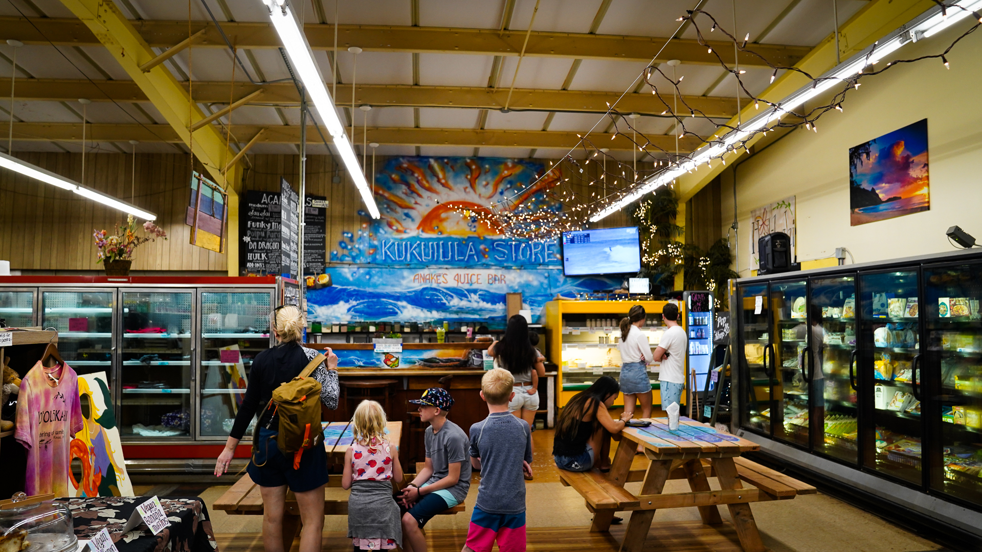 Kauai Kukuiula Mom and Pop Market Anakes Juice Bar Customers