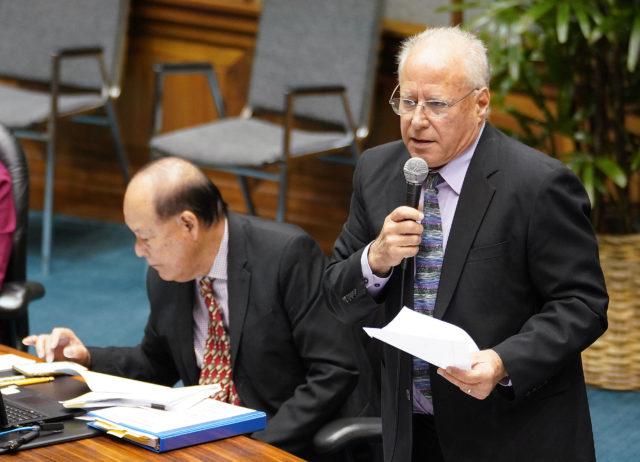 Senator Russell Ruderman carbon tax debate during crossover at the Legislature.
